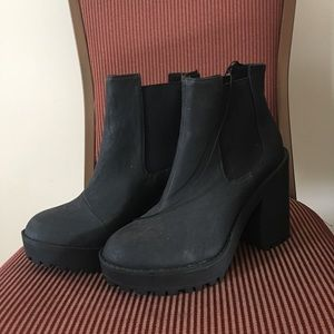 H&M Chunky Chelsea Boots